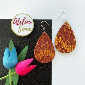 Lacy Tear Drop Earrings - Cognac